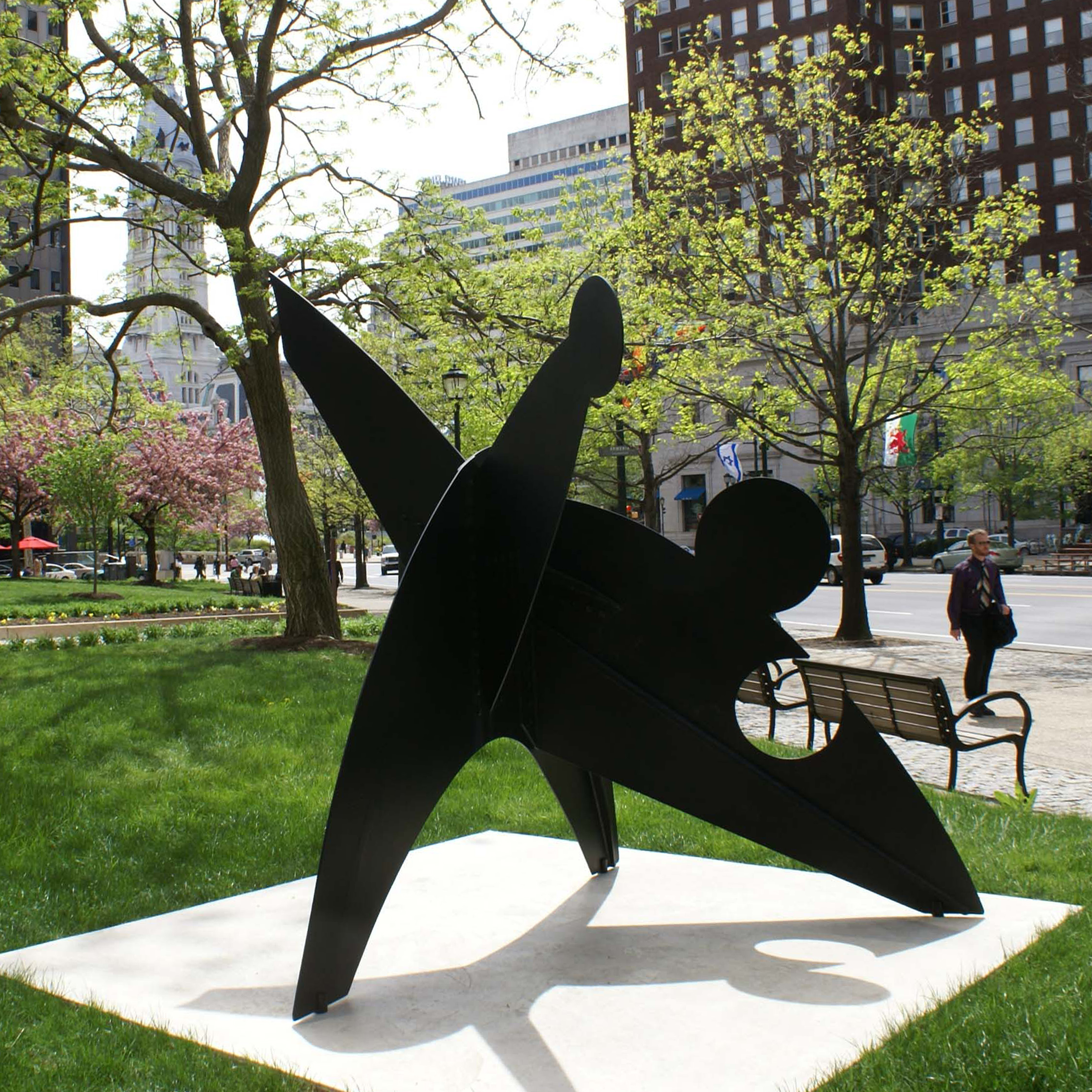 """Three Discs, One Lacking"" by Alexander ""Sandy"" Calder with his grandfather's ""William Penn"" in the distance. Photo by Caitlin Martin © 2010 for the Association for Public Art"