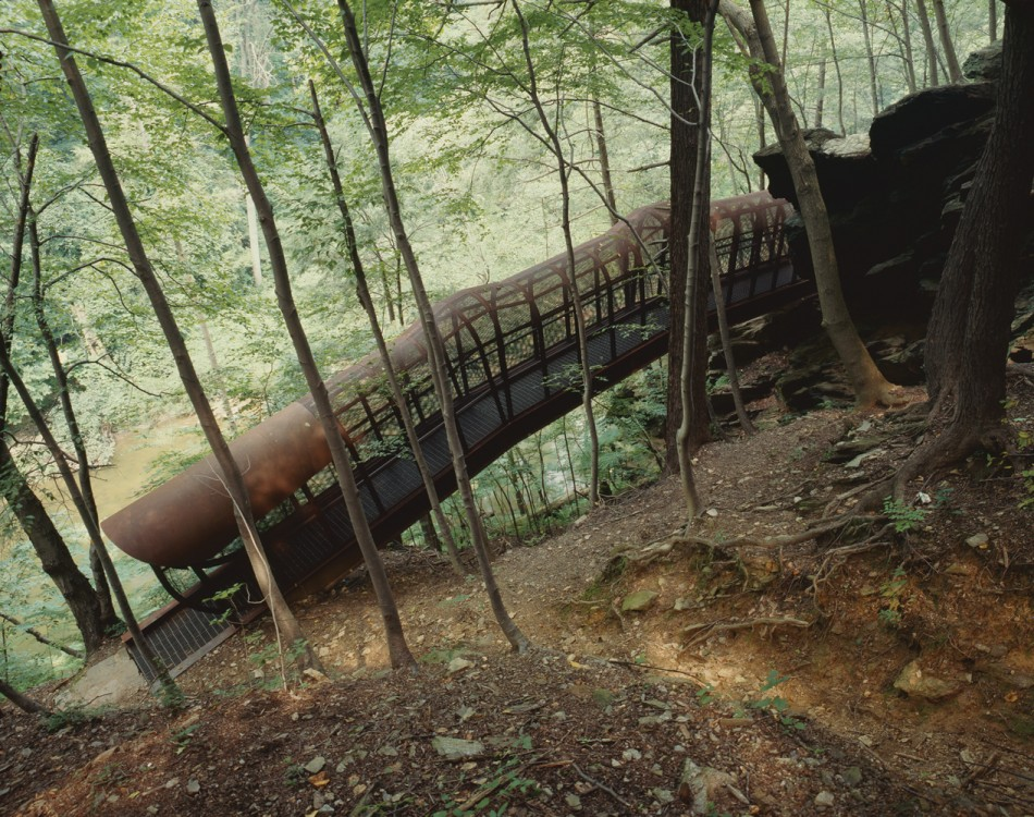 <em>Fingerspan</em> (1987) by Jody Pinto. Photo Wayne Cozzolino © 1994 for the Association for Public Art.
