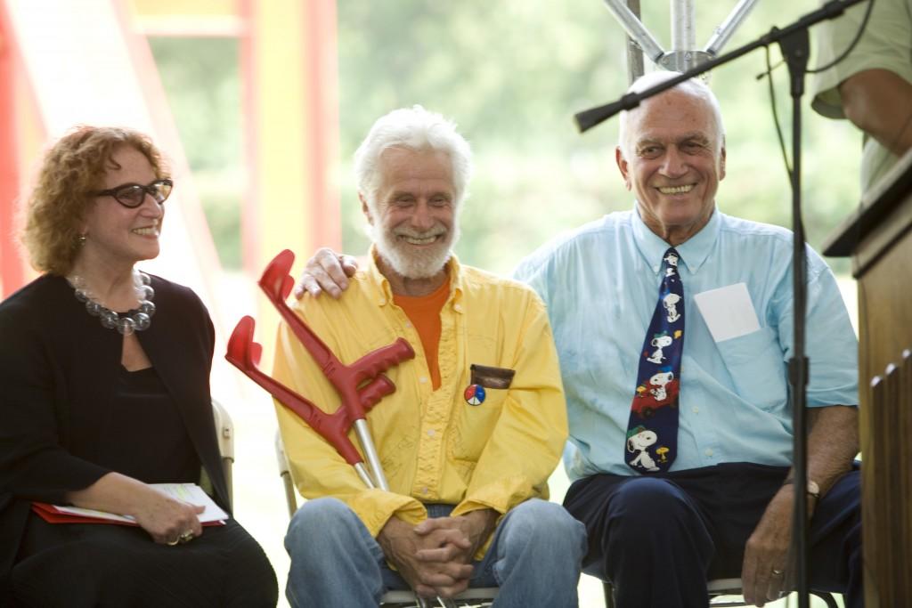 Art Association Executive Director Penny Balkin Bach, artist Mark di Suvero, and David Pincus at the dedication ceremony.