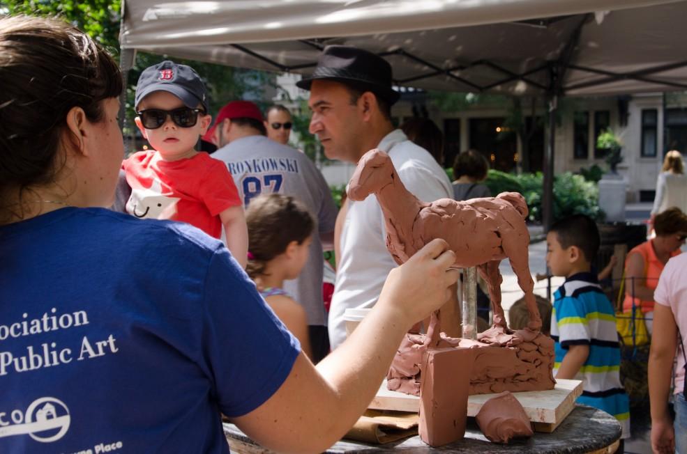 <em>Sculpture Zoo in Rittenhouse Square</em> sculpture demonstration. Photo Alec Rogers © 2015 for the Association for Public Art