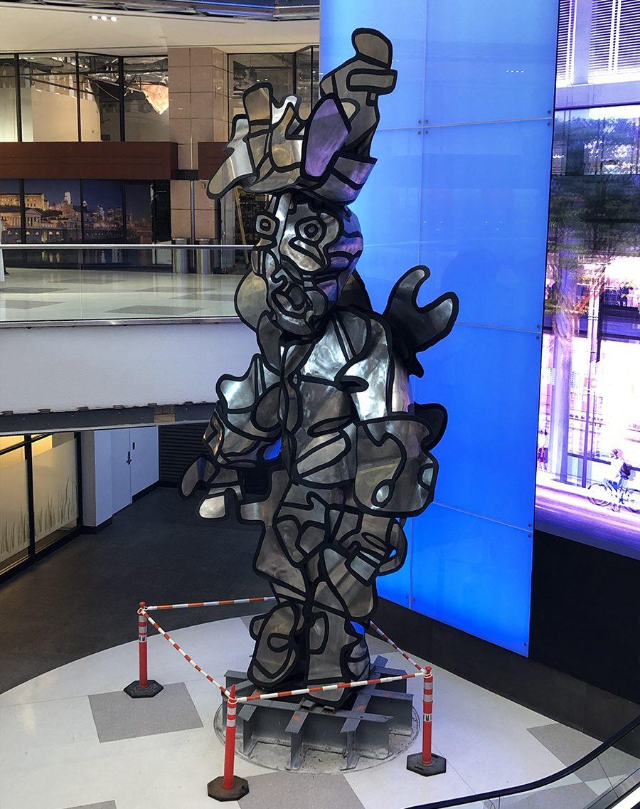 Milord la Chamarre sculpture indoors - Dubuffet
