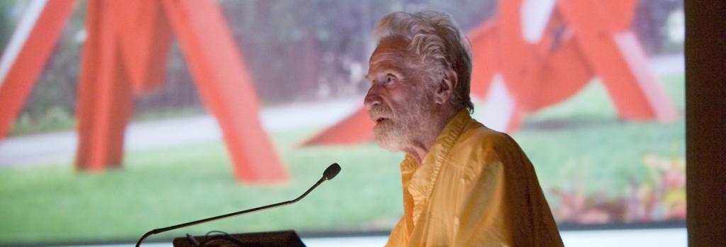 Mark di Suvero speaks at the aPA's annual meeting