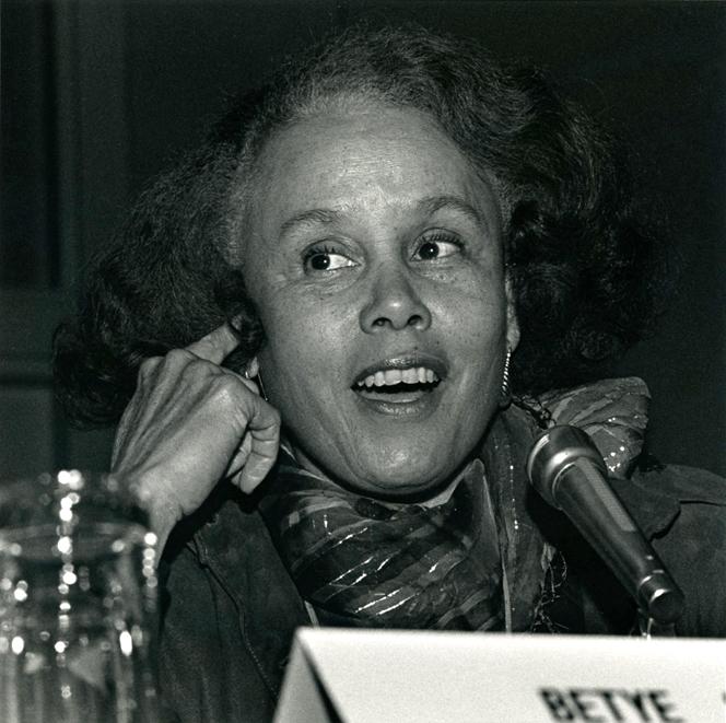"Artist Betye Saar, panelist for response to Richard Sennett's keynote address ""Public Life and the Public Arts."" Photo Gary McKinnis © 1987 for the Association for Public Art."