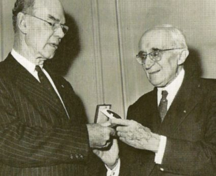 Jacques Greber receiving the Medal of Honor